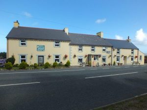 Garn Isaf B&B Square and Compass Food and Drink