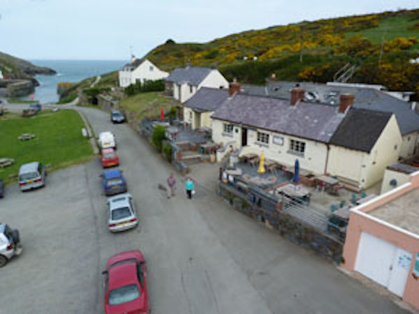 Garn Isaf B&B The Sloop Inn Porthgain