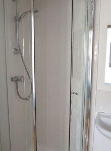 Garn Isaf SeaBreeze Self Catering Bed and Breakfast Pembrokshire Bathroom