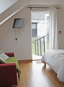 Garn Isaf Seal Cove Bedroom Pembrokshire Bed and Breakfast 02