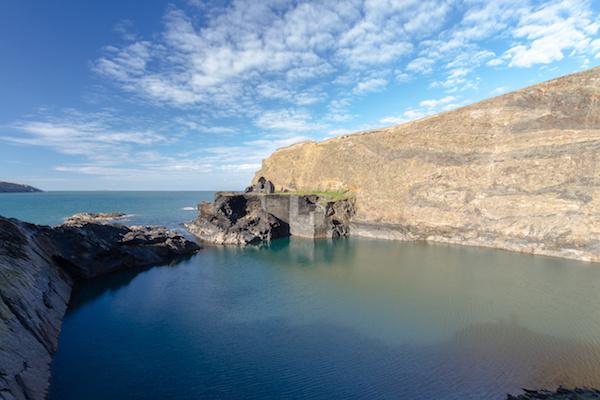 Blue-Lagoon-Abereiddy-Garn-Isaf