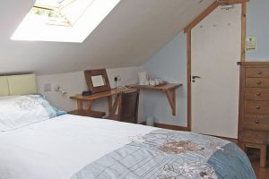 Garn Isaf SeaBreeze Self Catering Bed and Breakfast Pembrokshire Bed
