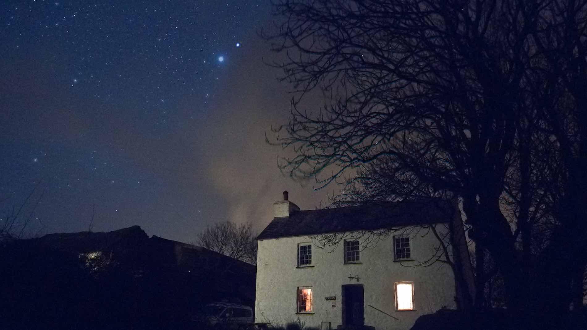 Garn-Isaf-Night-Sky-Pembrokeshire-BandB.jpg