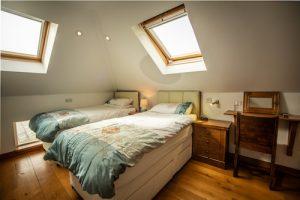 Sea Breeze Twin Bed Pembrokeshire Garn Isaf